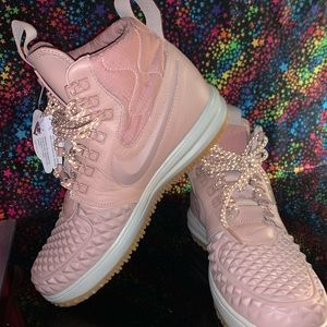 NWT PINK NIKE LUNAR AIR FORCE ONE DUCK BOOTS 9.5W